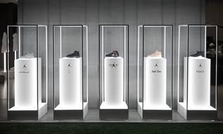 展示柜设计制作厂家浅谈珠宝展柜灯光设计